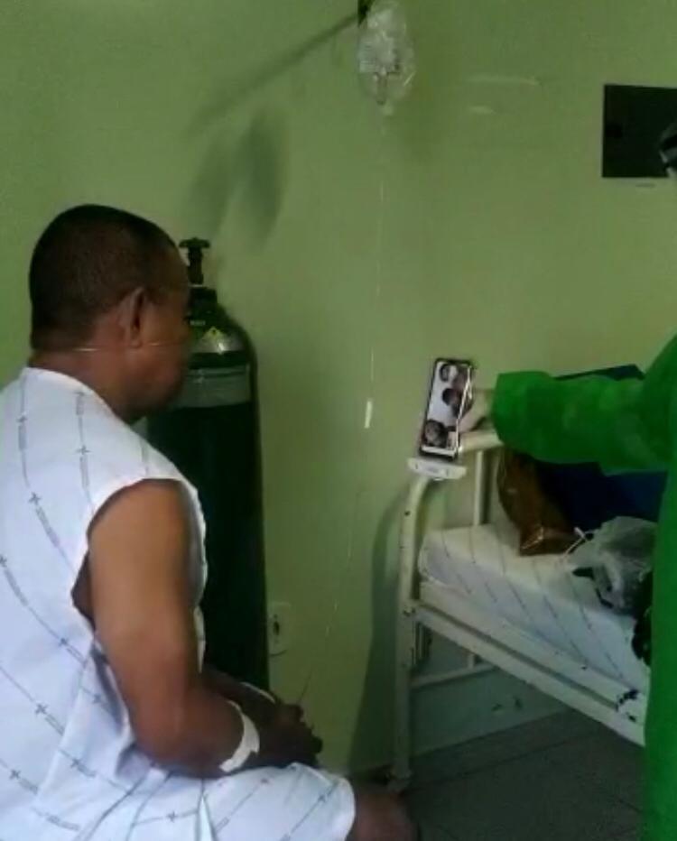 Chamadas virtuais entre pacientes e familiares asseguram humanização hospitalar em Arapiraca
